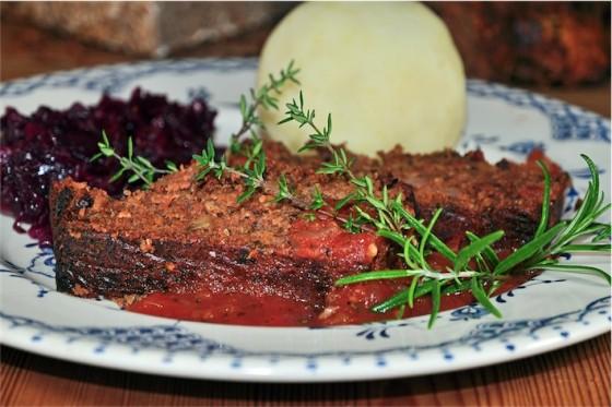 Nussbraten mit fruchtiger Tomatensauce, Kalle-Bäcker